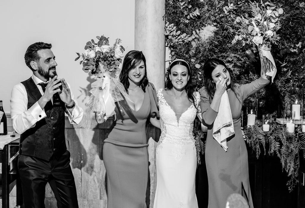 ramo de novia amigas